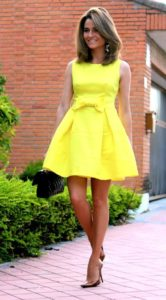vestido amarillo