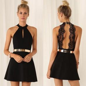 vestido con escote en la espalda