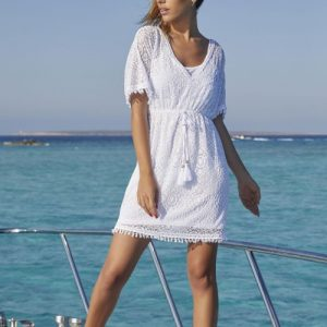 vestido ibicenco en la playa