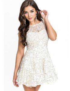 vestid de encaje blanco